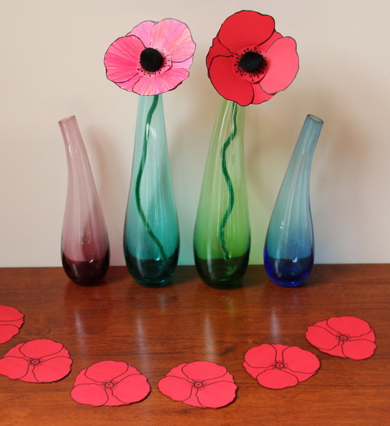 Remembrance Day poppies crafts for kids with free printable templates