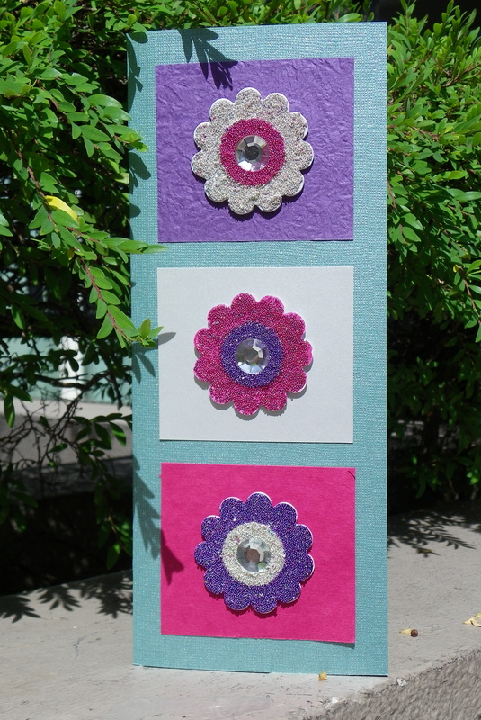 Free craft instructions how to make a micro-bead embellishment flower card Card making