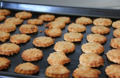 Cheddar Crackers. Grain Free, Nut Free, Low Carb cheese biscuits made with Coconut flour.