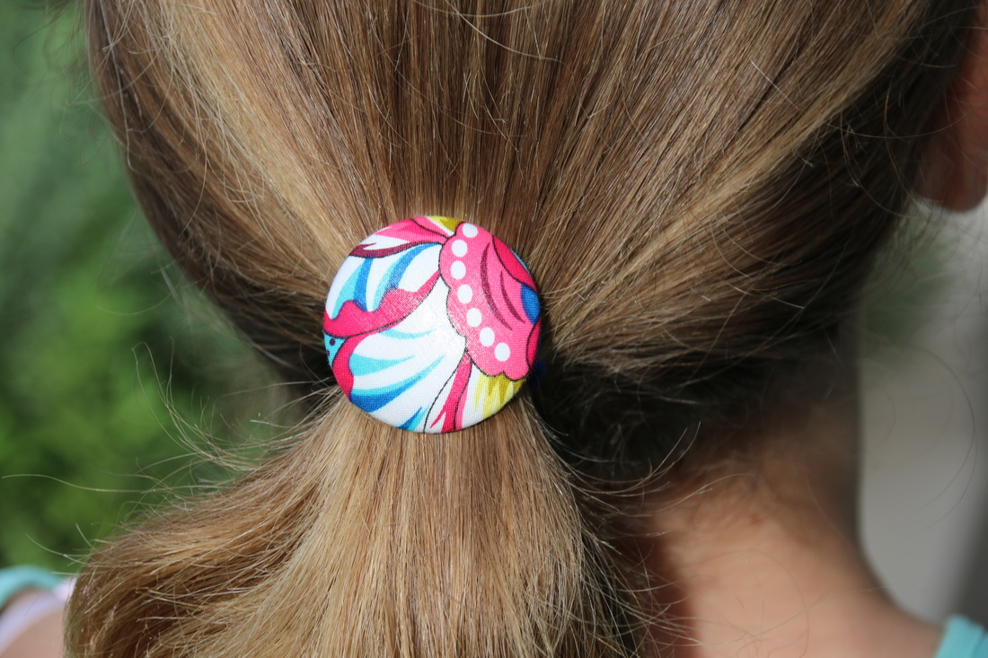 Make your own decorative hair ties elastics with covered buttons