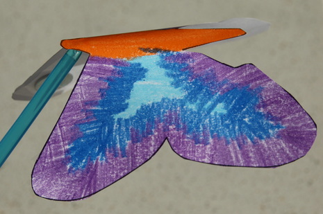 Free printable templates to make a balancing butterfly. Crafts for kids.