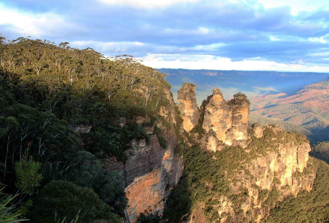 The Three Sisters, Katoomba. The Blue Mountains, New South Wales, Australia.