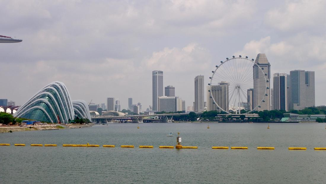 View of Singapore City from Marina Barage.